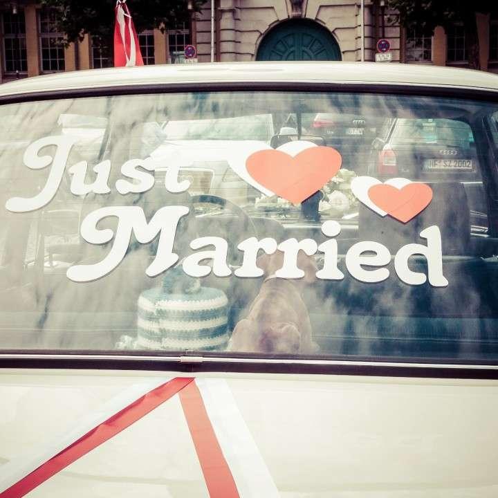 Hochzeit in Herford – Hochzeitsfotograf aus Detmold – Party bis zum Ende und der Fotograf mittendrin